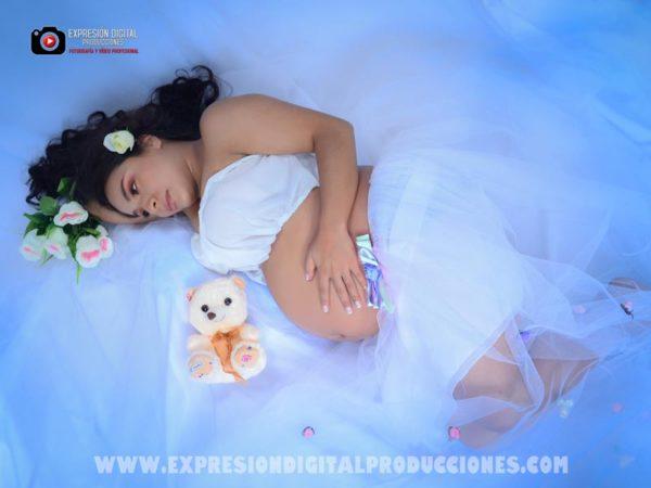 Sesión de fotos de embarazadas en estudio